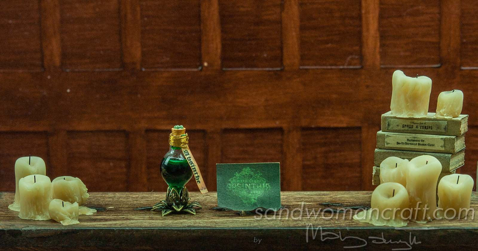 "Dollhouse miniature glass bottle""Absinth"" (""Absinthe"")"