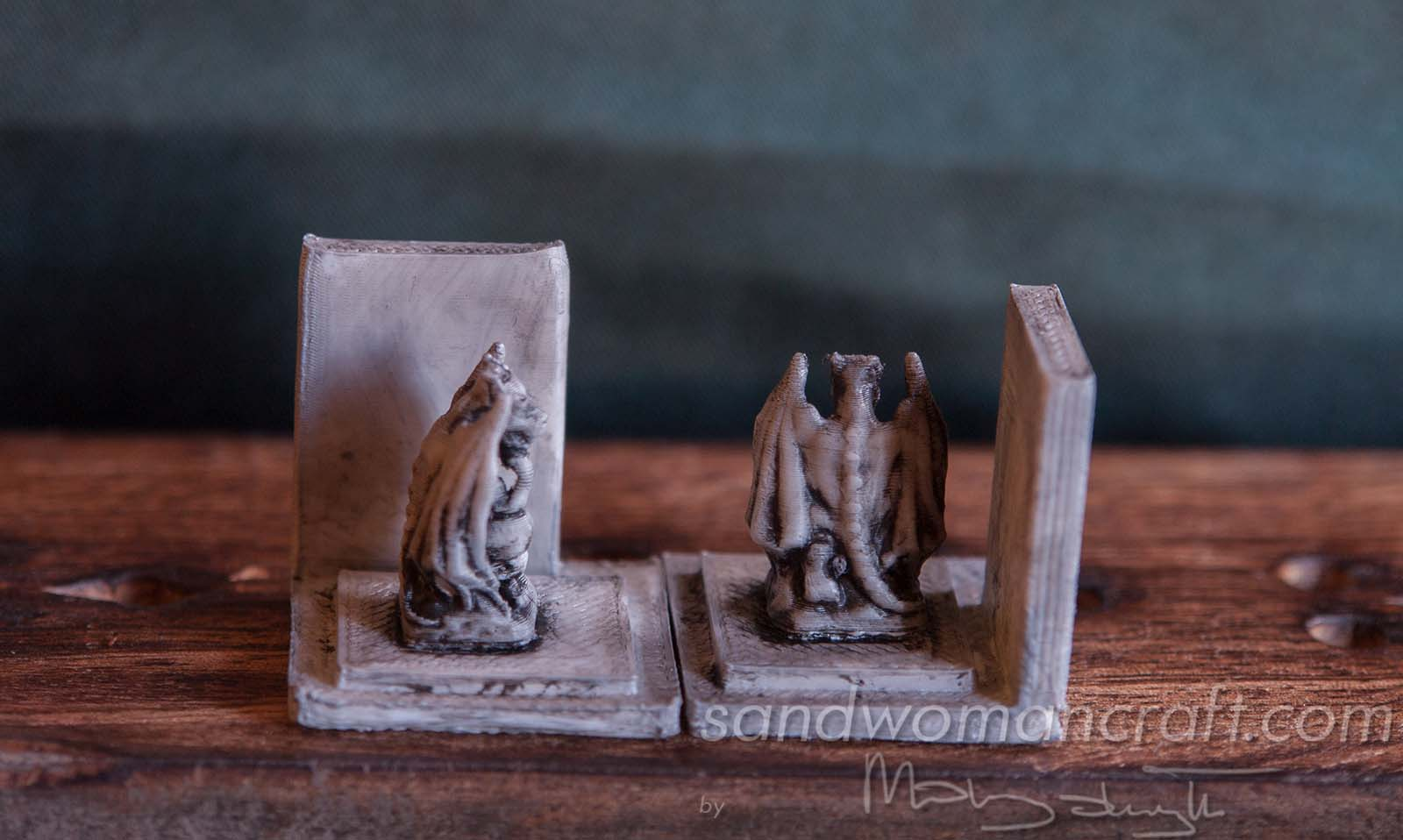 Miniature bookends with Gargoyles in 1:12 scale, 1 inch scale