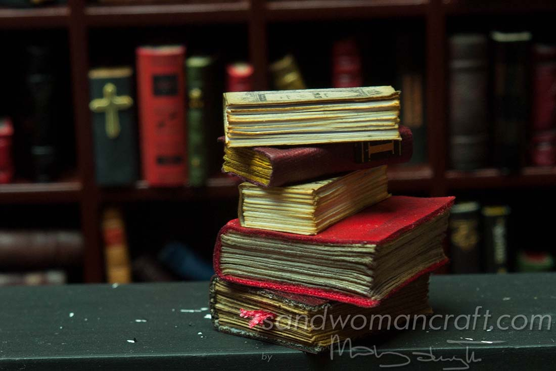 Miniature book stack Omen 1:12 scale
