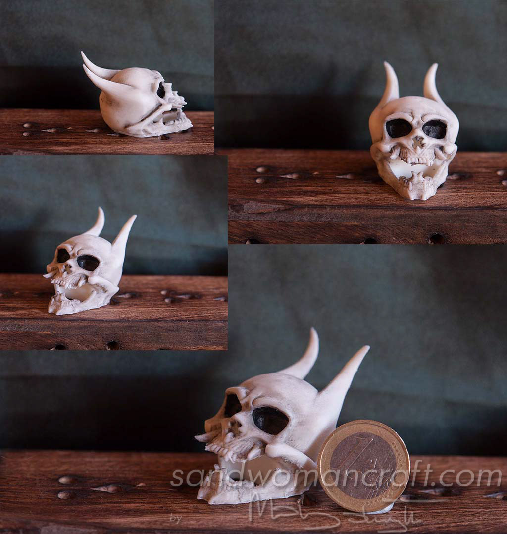 Miniature devil skull. Miniature monster skull
