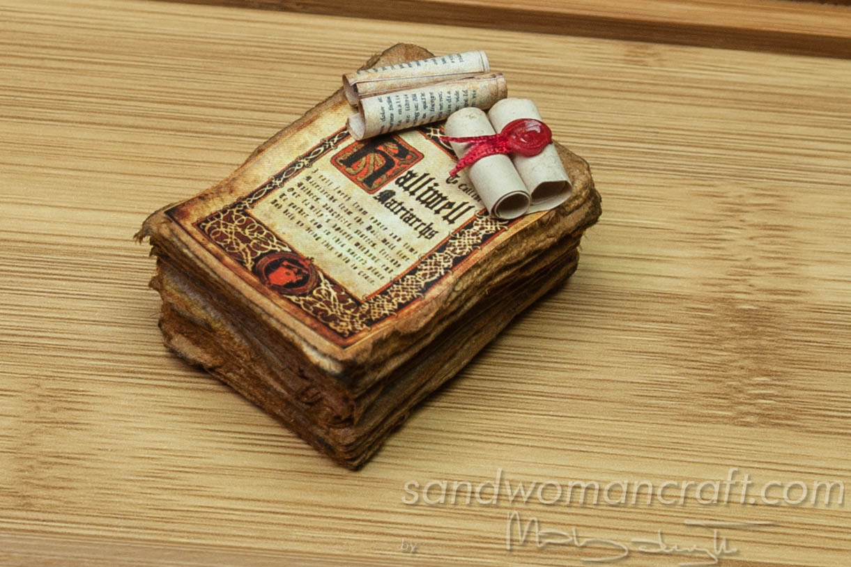 Miniature paper stack
