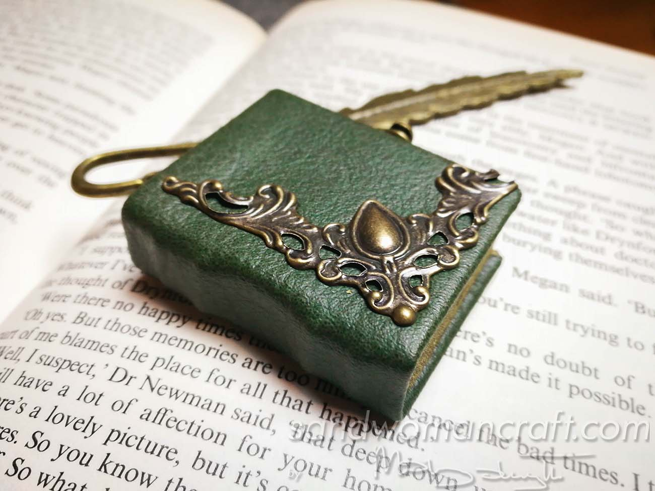 Unique bookmark page marker for reading and books lovers